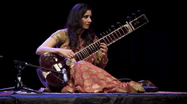 Roopa Panesar playing the Sitar