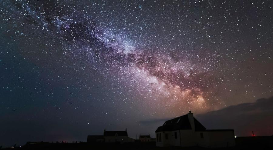 Milky Way - Balephetrish Tiree by Stewart Carr